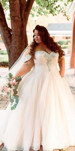 36 Plus Size Wedding Dresses A Wow Guide Wedding Forward Plus Wedding Dresses Ball Gowns Wedding Ball Gown Wedding Dress