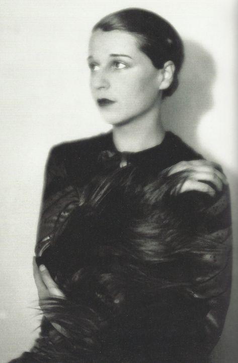 Elli Marcus- L'écrivain Ruth Landshoff, épouse du comte York von ...
