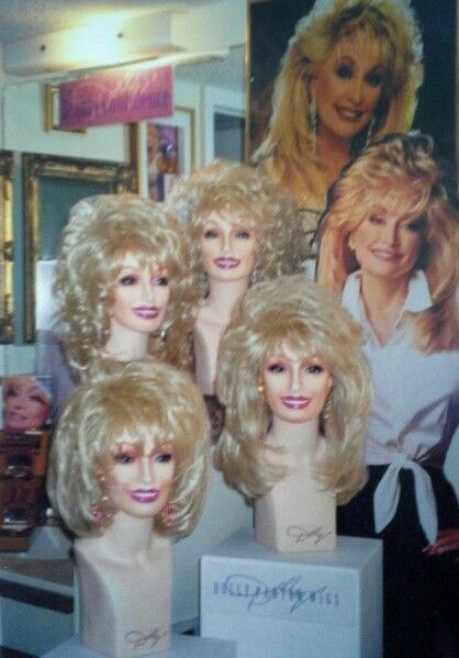 Dolly Parton Wigs And Dolly Parton Beauty Confidence Cosmetics From The Private Dolly Parton Memorabilia Collection Dolly Parton Wigs Dolly Parton Dolly Patron
