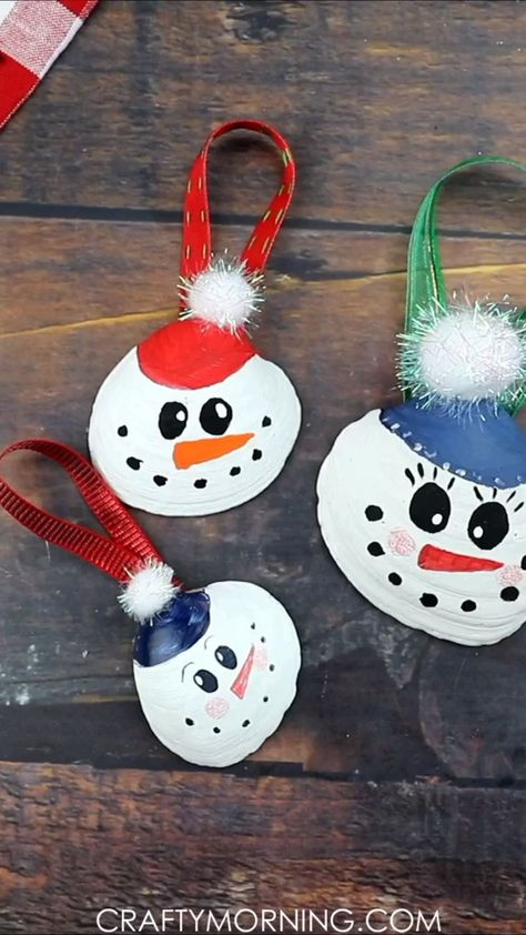 Snowman Seashell Ornaments- fun christmas craft for the kids to make and decorate! Homemade DIY ornaments to make. Beach coastal kind of ornaments. So cute for the holidays. #christmas #craft #diy #diycraft #christmascraft #christmasdiy #ornaments #diyornaments #cutecrafts #craftymorning