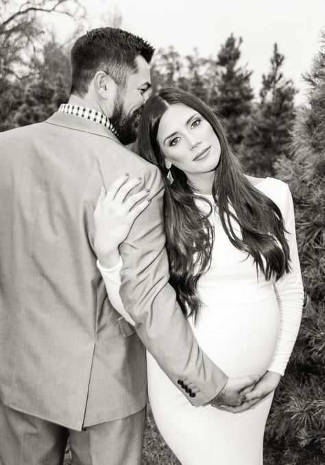 Maternity Session, Maternity pictures, Maternity with husband Couple Maternity Poses, Couple Pregnancy Photoshoot, Maternity Photo Outfits, Winter Maternity Photos, Outdoor Maternity Photos, Maternity Photography Outdoors, Couple Photography Poses, Maternity Session, Couple Pregnancy Pictures