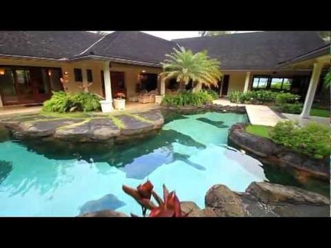 Obama Winter White House - Celebrity Vacation Homes - HGTV - Paradise Point Estates #video #luxurytravel