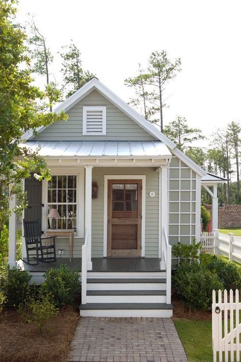 The Return To Small House Living Town Country Living Cottage House Exterior Small Cottage Homes Small Cottage Designs