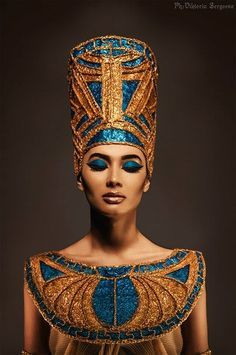 Pin by Kátia Morais on Tigres | Egyptian fashion, Egyptian costume, Egyptian makeup