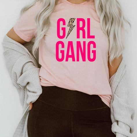 Girl Gang Tee #clothing #igmoms #springstyle #sahm #stylish #liketoknowitstyle #homeschoolmama #peachysunday #onlineshopping #shopping