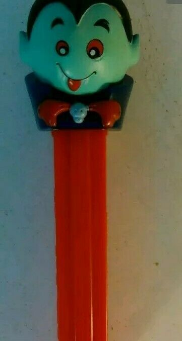 Pez Dispenser Count Dracula With Feet No Candy No Packaging Pez Dispensers Dispenser Ebay