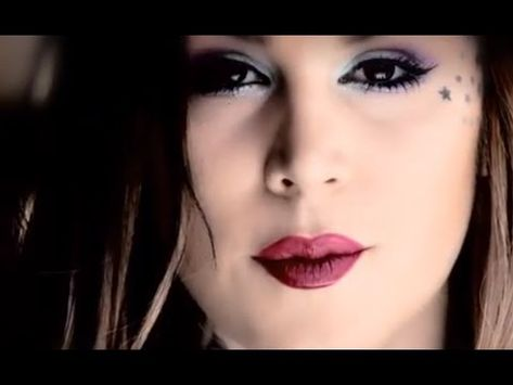 The tattooed makeup master Kat Von D shows you how to give smoky eyes a spring break with sweepingly supercharged pastels. #Sephora #Video
