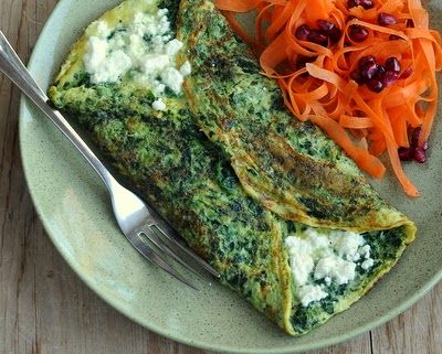 How to Make a Spinach Omelet, lots of tips & techniques, #Paleo and #Whole30 versions. #LowCarb #HighProtein For Weight Watchers, #PP3 to #PP7, depending on choices. #AVeggieVenture