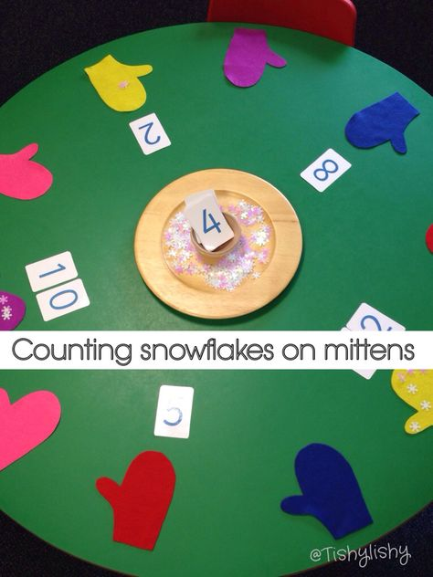 'Frozen' theme week - count the snowflakes Lovely idea, use school gloves