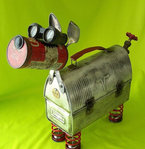 Chipper Robot Dog by Metal Yard Art, Scrap Metal Art, Recycled Robot, Recycled Art, Found Object Art, Found Art, Metal Art Projects, Metal Crafts, Tin Can Art
