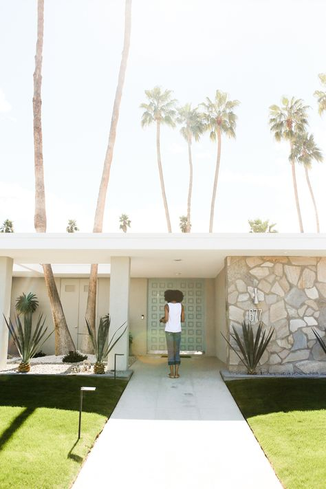 Palm Springs Door Tour: The Best Colorful Houses to Visit — Local Wanderer