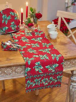 Saturday Sewing Quilt As You Go Holiday Table Runner In 2021 Holiday Table Runner Holly Table Runner All Things Christmas