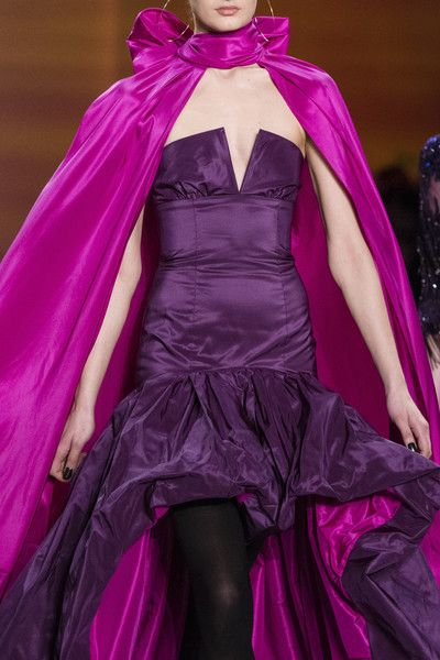 Naeem Khan, Fall 2018 - New York's Most Striking Runway Details For Fall 2018 - Photos