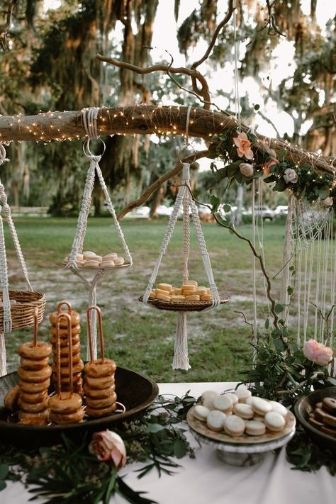 This couple wanted their large, southern wedding to be different: they chose to wed at Gascoigne Bluff and catered their outdoor reception with Waffle House