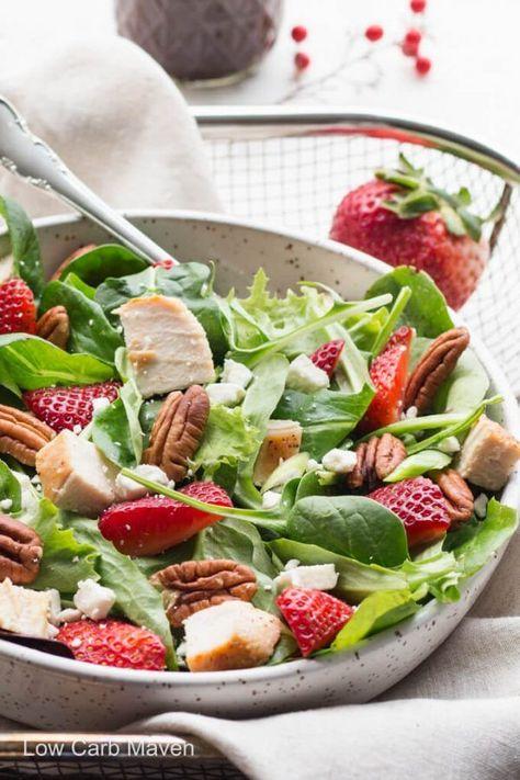 Salade d'épinards aux fraises et aux pacanes avec vinaigrette balsamique,  #aux #avec #balsamique #dépinards #fraises #pacanes #Salade #Vinaigrette #Vinaigretteauxépinards