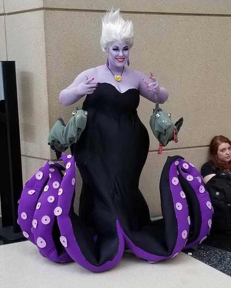 Amazing Ursula cosplay I saw at C2E2 in Chicago today - Imgur