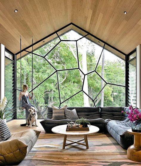 Fiquei com muita vontade de ter uma janela assim um cachorro assim...uma sala assim. Porque tudo nela me agrada cada peça de decoração e principalmente esse estilo de sofá : @corellaconstruct  Arquiteturade @arquiteturadecoracao  #arquiteturadecoracao #olioliteam #adsala