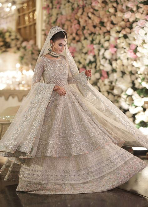 Indian/Pakistani Women's Bridal Weeding Engagement Gown Walima Dress Nikah New