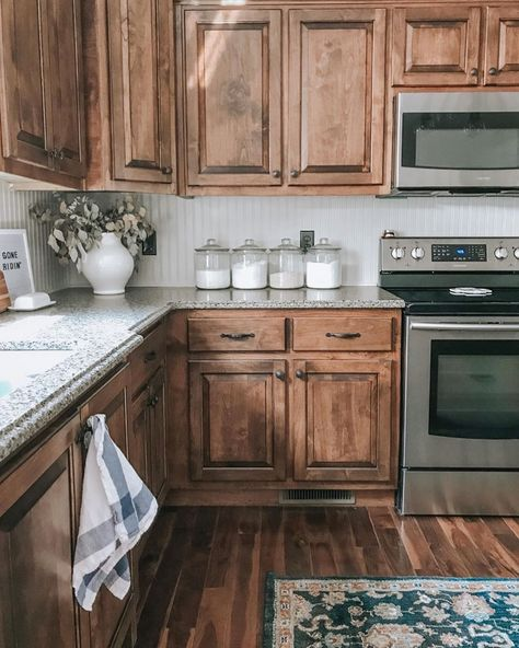 Tips That Could Equipment You Up For Kitchen Area Decoration - Sopboxing Home Decor Ideas, Our Home Decors Table Farmhouse, Modern Farmhouse Kitchens, Farmhouse Kitchen Decor, Home Decor Kitchen, New Kitchen, Home Kitchens, Western Kitchen Decor, Kitchen White, Kitchen Modern
