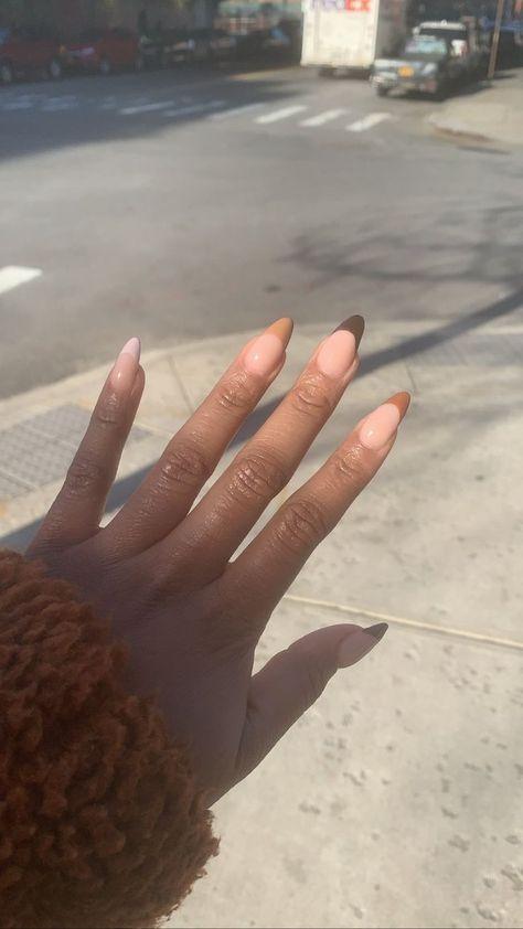 Hairstyles brown nails design, black nail designs, oval n& Brown Acrylic Nails, Brown Nails, Best Acrylic Nails, Brown Nail Art, Neutral Nail Art, Brown Nail Polish, Black Nail, Rounded Acrylic Nails, Minimalist Nails