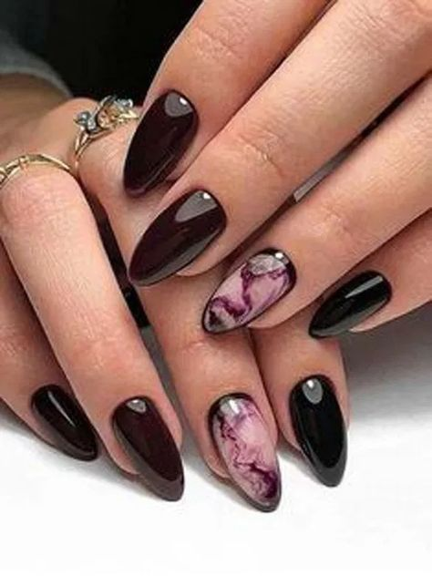 23 Attractive Flash Nails Higlight The Charm of Women 19