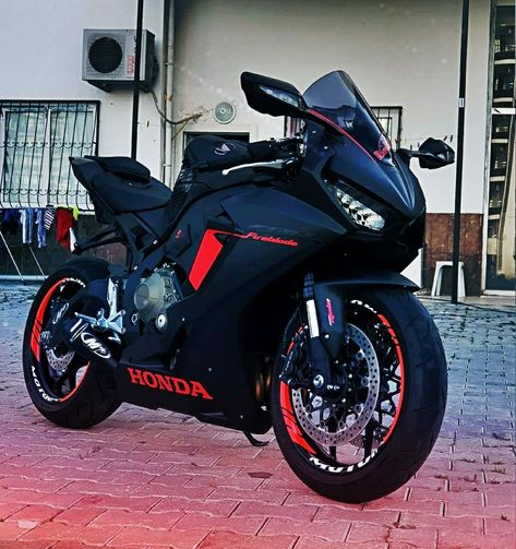 Magical shared motorcycle clothing – bicycles www. Honda Fireblade, Motos Honda, Honda Bikes, Cannondale Bikes, Bmx Bikes, Dirt Bikes, Honda Street Bikes, Gp Moto, Moto Bike