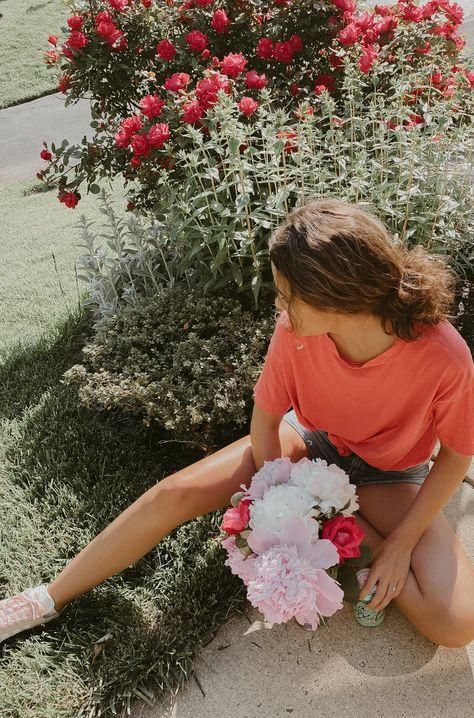 #springtime #spring #peonies #aerie #springphotos #springblog #blossoms #jeanshorts #springoutfits #springstyle