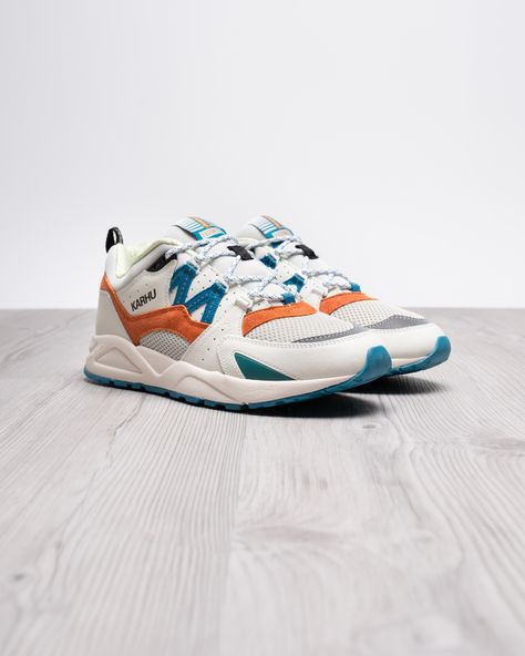 """Inspired by the ceiling design of the subway station  the new Fusion 2.0s model is equipped with a colorful mix of materials.  """"Karhu FUSION 2.0 METRO PACK"""" • LILY WHITE • 
