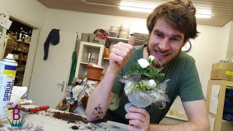 Pflanzenarrangement mit Mini Rose selber machen - Tischdeko Idee für den...