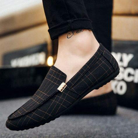 Fashion Men Minimalism Driving Loafers Leather Moccasins Slip On Penny Shoes Mens Loafers Shoes, Loafer Shoes, Leather Loafers For Men, Leather Moccasins, Tan Leather, Mens Boots Fashion, Fashion Shoes, Fashion Men, Mocassins Cuir
