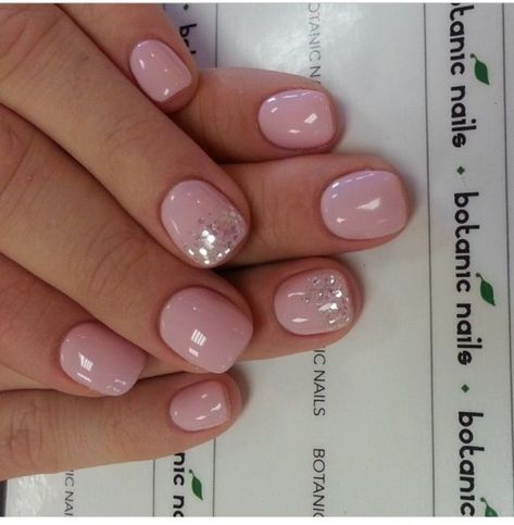 Cool 41 Spoiled Light Pink Nail for Teen Girls http://dressip.com/index.php/2019/01/05/41-spoiled-light-pink-nail-for-teen-girls/