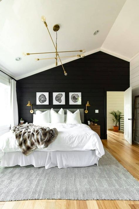 Black Wall Bedroom Interior Design Inspirational 10 Rustic Bedroom Ideas that are Warm and Inviting Modern Rustic Bedrooms, Modern Bedroom, Home Bedroom, Bedroom Interior, Master Bedroom Design, Rustic Bedroom, Bedroom Makeover, Bedroom Decor, Home Decor