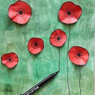 Mohnblumenwiese Schritt 6 Mit Schwarzem Filzstift Die Blutenstiele Von Der Blute Abwarts Zeichnen Schritt 7 Wasserfarbe Blumen Kunststunden Kunst Fur Kinder