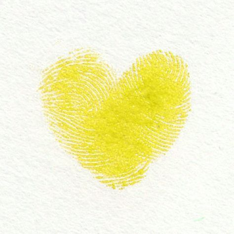 Pin By Agustina Elisabeth On Tatuajes Yellow Heart Yellow Aesthetic Color