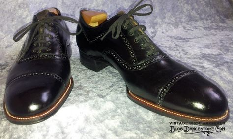 1a53269703ea 1920s Men s Captoe Spade Sole Shoes with Interesting Perforations