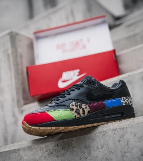 Nike Air Max 1 Master: On Foot, 27 Detailed Pics & Video
