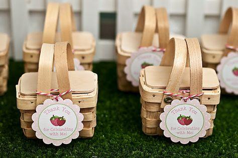Adult Party Favors ~ Cute mini picnic baskets by Bon Bon Boutique