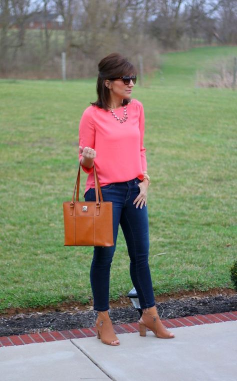 Days of Spring Fashion: Classic Boatneck Blouse Classic Boatneck Blouse with skinny jeans.Classic Boatneck Blouse with skinny jeans.
