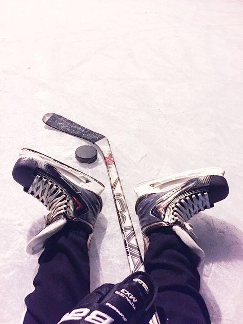 Rink Hockey, Ice Hockey Jersey, Field Hockey, Hockey Party, Canadian Hockey Players, Hot Hockey Players, Nhl Players, Hockey Workouts, Hockey Outfits