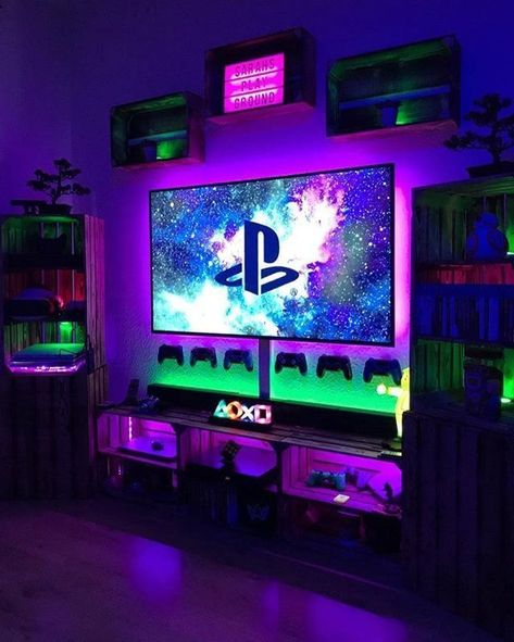 me 27 Sports Man Cave Game Room Ideas ⋆ zonamasak. Deco Gamer, Ps Wallpaper, Man Cave Games, Man Cave Ideas Gamer, Man Cave For Gamers, Geek Man Cave, Gaming Room Setup, Cool Gaming Setups, Computer Gaming Room