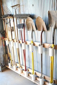 Gardening supply organizing  DIY storage ideas // organized garage tools // how to store large garden tools in the garage