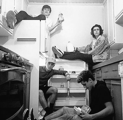 Find images and videos about boys, magcon and nash grier on We Heart It - the app to get lost in what you love. Hayes Grier, Nash Grier, Magcon Family, Magcon Boys, Magcon 2016, Cameron Alexander Dallas, Cameron Dallas, Jack Gilinsky, Jack Johnson