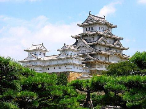 les 13 sites du Honshu classés au patrimoine mondial (ici Le château de Himeji)