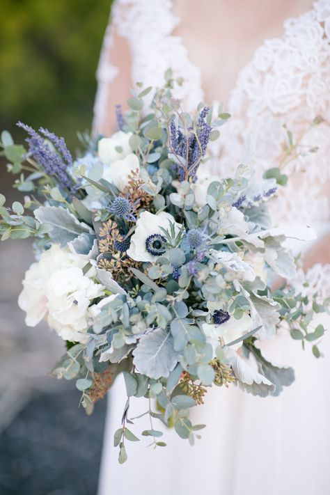 22 Classic Blue Wedding Flowers At Your Wedding Purple Wedding Flowers, Bridal Flowers, Flower Bouquet Wedding, Floral Wedding, Wedding Colors, Bridal Bouquets, Blue Wedding Bouquets, Purple Bouquets, Bridesmaid Bouquets