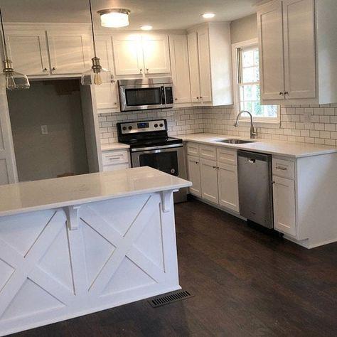Half Wall Kitchen, Split Level Kitchen, L Shaped Kitchen Cabinets, White Shaker Kitchen Cabinets, L Shape Kitchen Layout, Kitchen Design, Farmhouse Kitchen Decor, Kitchen Interior, Raised Ranch Kitchen