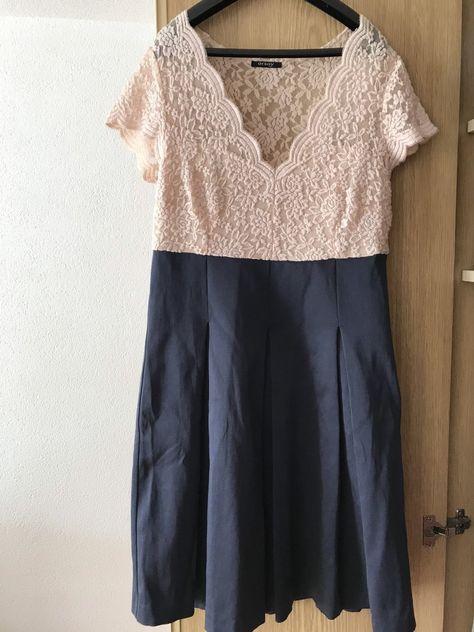 Schönes Kleid Sitzt sehr angenehm. Aus Orsay Midikleider. 60iger Style Kleid in Größe 42 und Farbe dunkelblau / hellrosa / rosa. Der Zustand von 60iger Style Kleid ist Hervorragend.