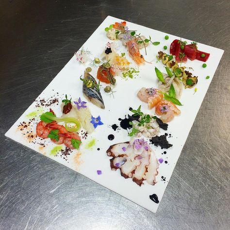 """""""SASHIMI(Omakase)"""". . #sashimi #omakase #fresh #fish #lovefish #fishlover #刺身 #おまかせ #新鮮 #魚 #イタリア #クレシオス #gastroart #chefsofinstagram #chefstalk #gourmetartistry #foodstarz #foodartchefs #flower #herb #cookniche #kresios #kresios_world #benevento #teleseterme #tadashitakayama"""