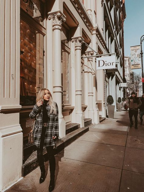 Streets of Soho New York New York City New York Fashion Week Blondie in the City by Hayley Larue New York Outfits, City Outfits, Fashion Outfits, Winter Outfits, New York Mädchen, New York Style, New York Soho, City Vibe, City Style