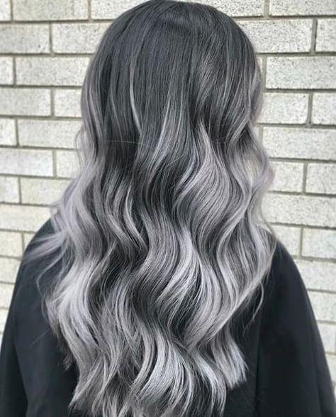 Vos cheveux blancs sont parfaits tels qu'ils sont