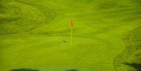 Indian golfer lifts Macau Open title.
